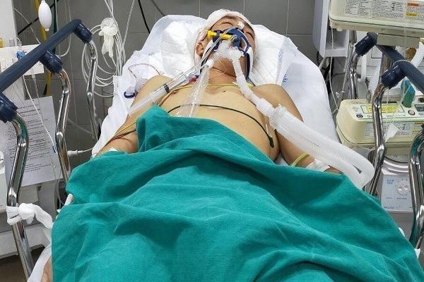 Anh Lê Văn Toàn bị vỡ khối u não đã được xuất viện về nhà