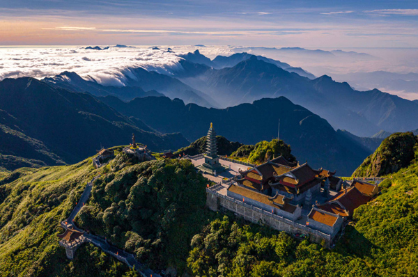 Sun World Fansipan Legend tiếp tục là 'Điểm đến du lịch hấp dẫn nhất Việt Nam'