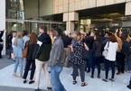 Hỗn loạn tại điểm kiểm phiếu Detroit, nhiều quan sát viên viên bị chặn bên ngoài