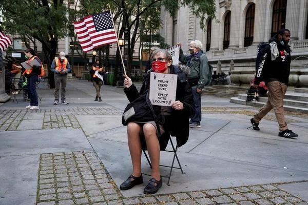 Biểu tình hậu bầu cử xảy ra nhiều nơi ở Mỹ