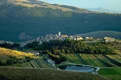 Ngôi làng trên đỉnh đồi trả tiền tỷ cho ai tới đây sinh sống