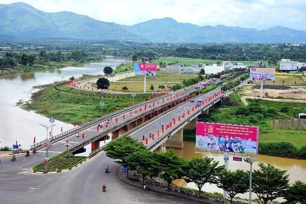 Ia H'Drai hướng tới mục tiêu huyện kiểu mẫu vùng biên
