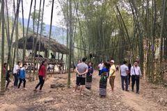 """""""Thắp sáng đường quê"""" ở Quan Sơn: Mô hình đem lại hiệu quả thiết thực"""
