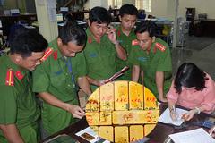 Bắt giam nhóm đối tượng vận chuyển 51kg vàng 9999