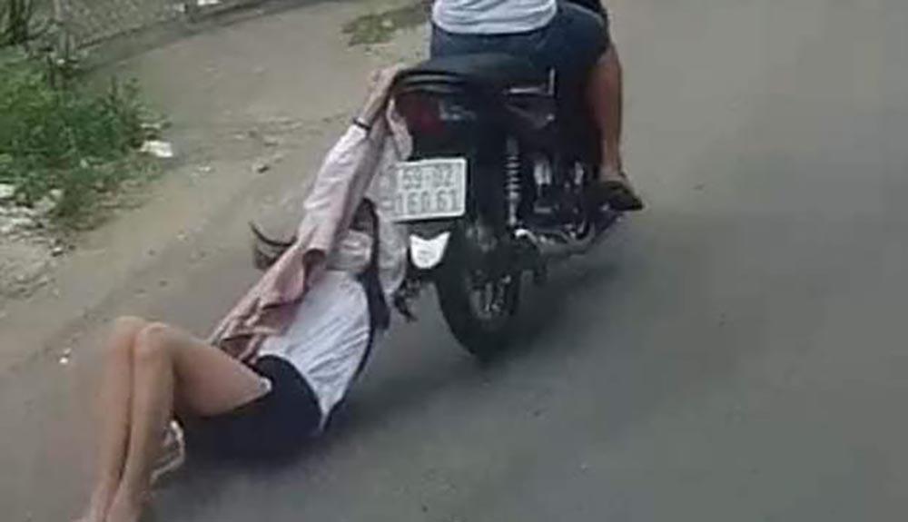 Bắt được kẻ cướp giật kéo lê cô gái trên đường