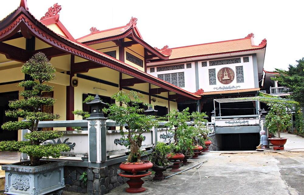 Chuyện về gia đình Sài Gòn cúng toàn bộ điền sản để xây chùa