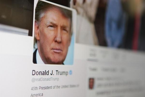 """Ông Trump sẽ bị Twitter tước """"đặc quyền"""" nếu thất cử?"""