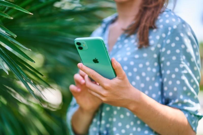 So sánh khả năng chụp ảnh của vivo V20 và iPhone 11