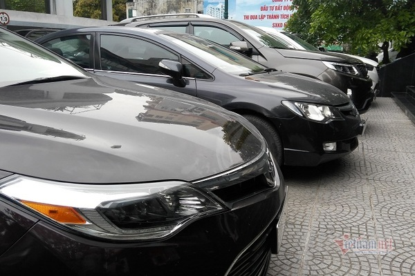 Giấc mơ xế hộp: Giá ô tô quá cao, chưa nhiều xe đã lo cấm