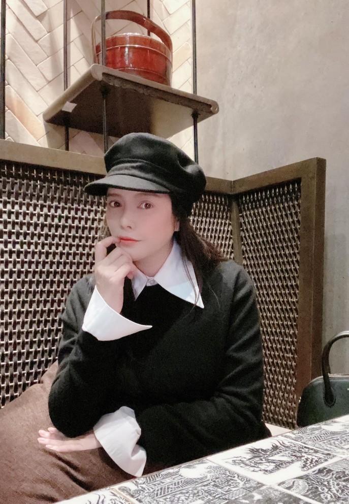 Kim Lý hôn Hà Hồ, hạnh phúc bên con sinh đôi