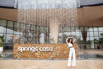 Ninh Dương Lan Ngọc đến Minera Hot Springs Bình Châu 'đổi gió'