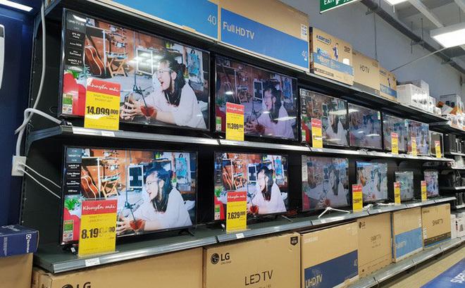 Cuối năm ế ẩm, hàng loạt tivi hạng sang giảm giá 50%