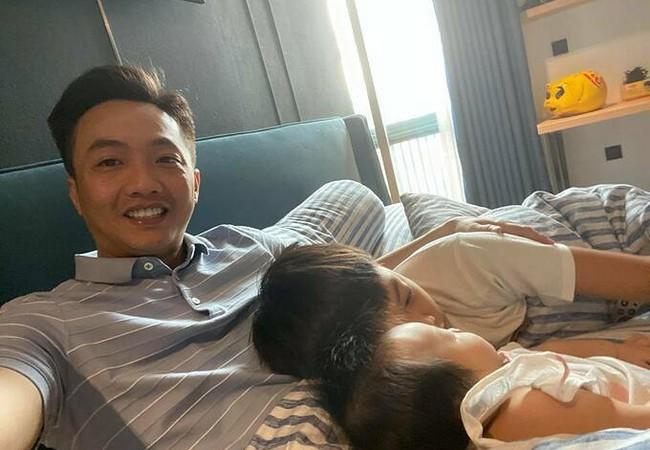 Lan Phương được chồng Tây cao 2m đưa vào viện khám vì suy nhược cơ thể