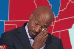 Cây viết bình luận CNN bật khóc trước chiến thắng của ông Biden