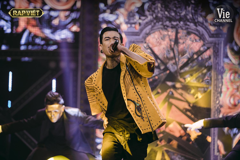 Trấn Thành lại khóc trong chung kết Rap Việt
