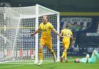 Harry Kane lập đại công, Tottenham leo lên đỉnh bảng