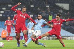 De Bruyne sút hỏng 11m, Man City chia điểm Liverpool