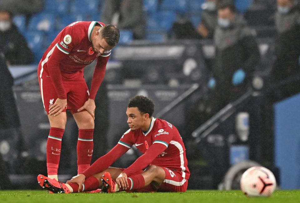 Guardiola và Klopp bất bình công kích Ngoại hạng Anh
