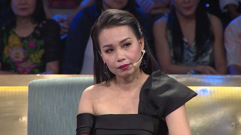 Cẩm Ly tiết lộ 'em gái tỷ phú' hát toàn phá đội hình, nhảy đứt cả dây micro