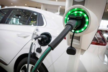 Chạy ô tô điện, chỉ nên sạc pin đầy 80%