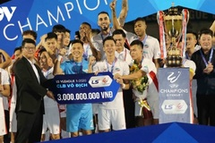 Viettel FC lift V.League 1 trophy for first time