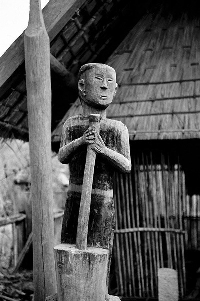 Central Highlands,art of wooden sculptures