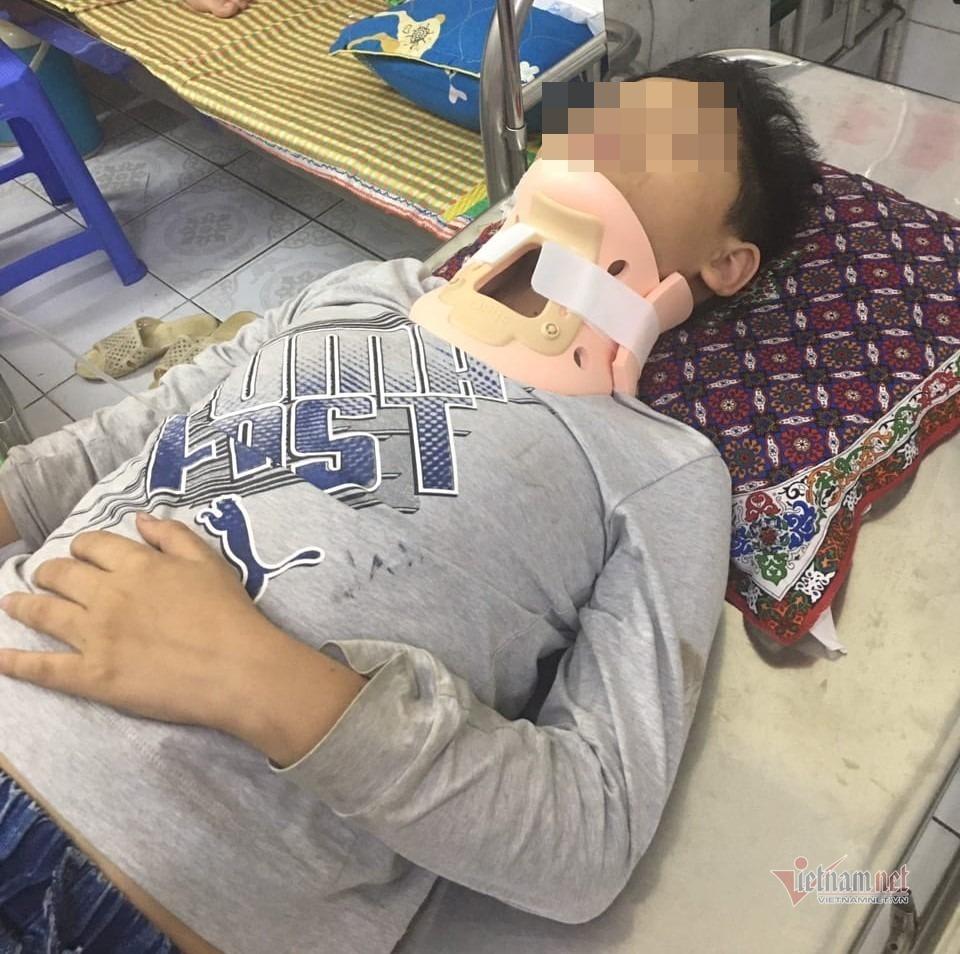Một học sinh lớp 4 bị đánh nhập viện trên đường đi học thêm