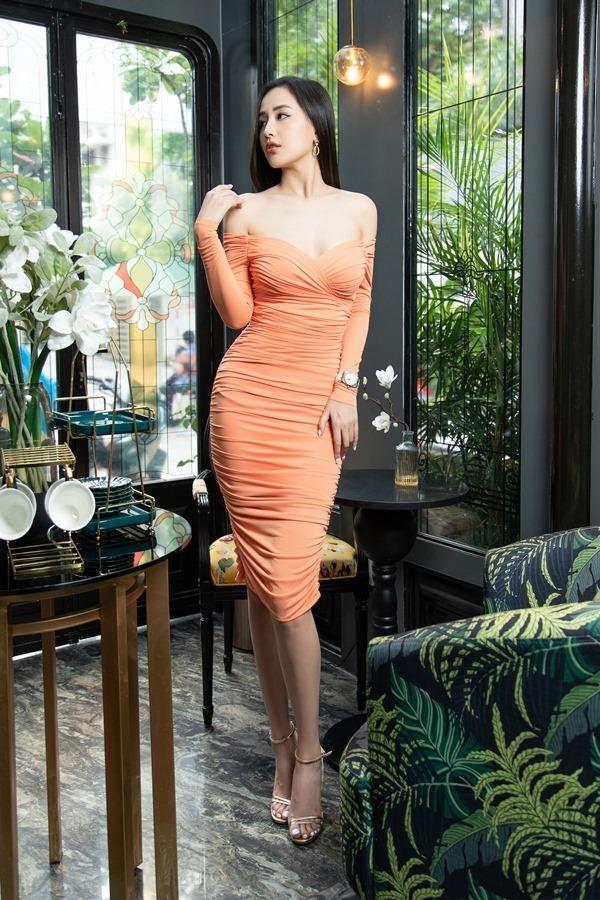 Thời trang biến ảo của Mai Phương Thúy ở tuổi 32