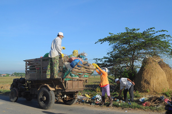 Huyện Phú Hòa sạch đẹp mới nhờ làm tốt tiêu chí môi trường