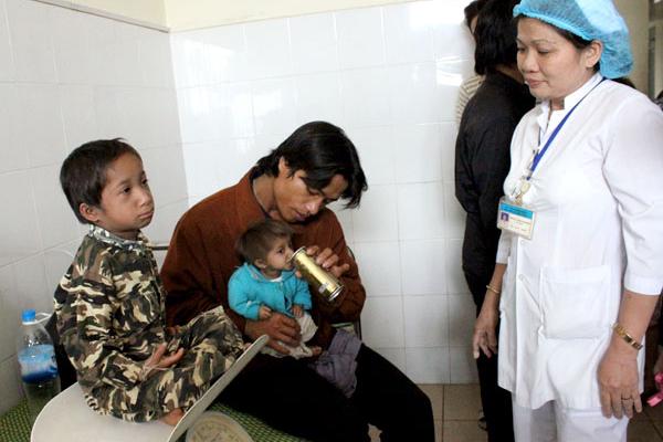 Cả thế giới chỉ có 100 người mắc bệnh giống cậu bé tí hon vừa qua đời