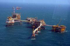 Hết thời xuất thô giá rẻ, Việt Nam phải nhập than, dầu ngày càng nhiều