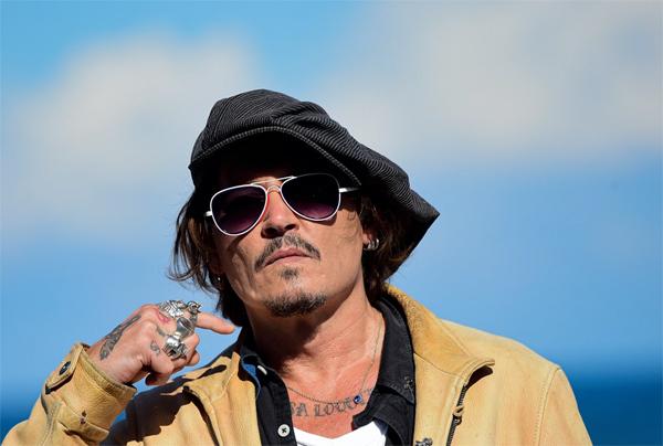 Đột ngột bị sa thải, Johnny Depp nhận cát sê 240 tỷ dù mới quay 1 cảnh