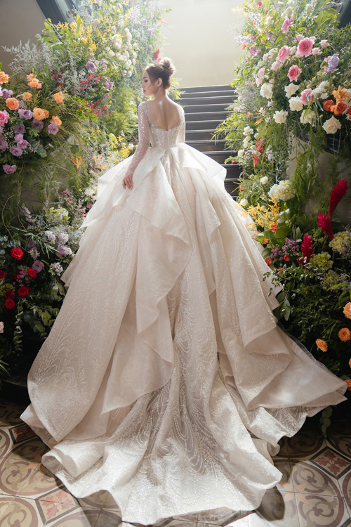 Ảnh cưới của người mẫu Xoài Non và chàng streamer giàu có