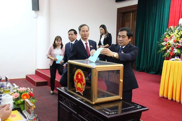 Ông Nguyễn Khắc Thận làm Chủ tịch UBND tỉnh Thái Bình