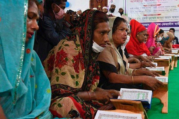 Nô nức nhập học ở ngôi trường đầu tiên cho người chuyển giới tại Bangladesh