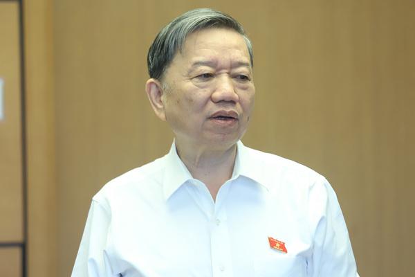 Bộ trưởng Công an nói về việc tách Luật Giao thông đường bộ
