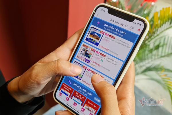 Giá TV tại Việt Nam giảm tới 50% trong ngày lễ độc thân