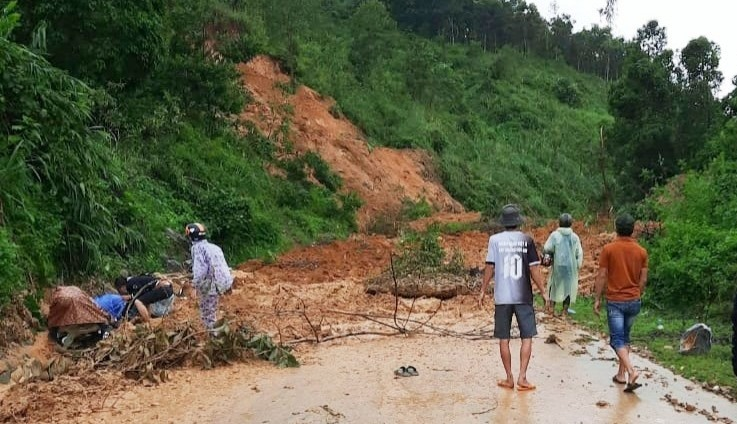 Sạt lở chồng sạt lở, một người nghi bị vùi lấp ở Quảng Nam