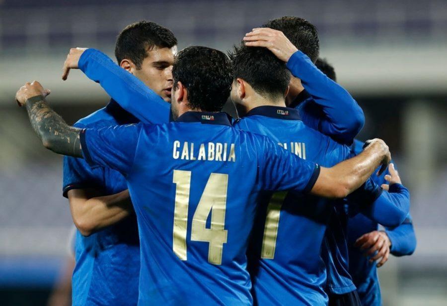Italy dễ dàng thắng trận '4 sao'