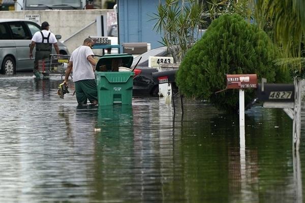 Bão lớn chưa đổ bộ, nhiều nơi ở Mỹ đã ngập lụt