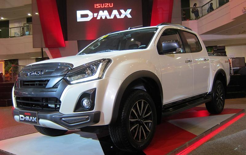 Top 10 ô tô bán chậm nhất tháng: Toyota chiếm sóng, Isuzu thoát hiểm