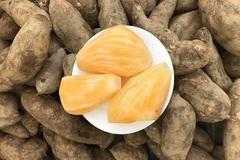 Hà Nội: Chị em mê tít đặc sản Lào Cai giá rẻ như khoai