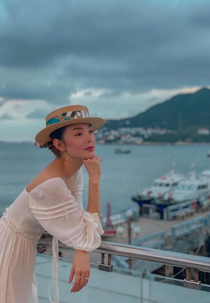 Diễm Quỳnh 'kể tội' Anh Tuấn chưa khao trúng giải Ai là triệu phú