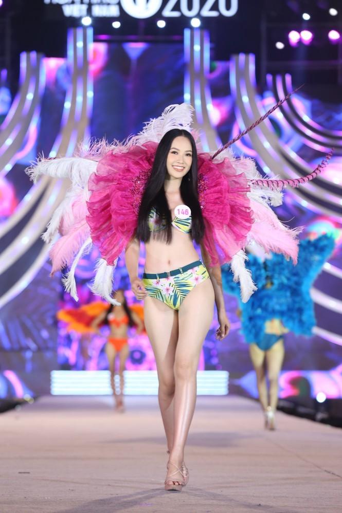 Top 35 Hoa hậu Việt Nam 2020 nóng bỏng với bikini