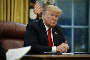 Ông Trump ra lệnh cấm đầu tư vào 31 công ty Trung Quốc