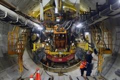 850-ton robot digs Nhon-Hanoi railway tunnel