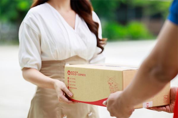 Cơ hội làm chủ mạng lưới chuyển phát nhanh cho nhà đầu tư Việt