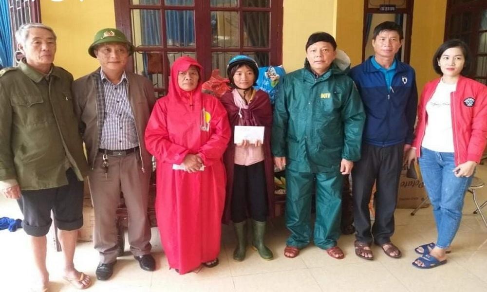 Giúp dân trong lũ, chủ tịch xã ở Quảng Bình qua đời vì nhiễm khuẩn