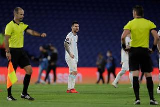 Argentina bị chia điểm: Sự bất công với Messi