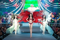Beauties dazzle during final round of Miss Vietnam 2020